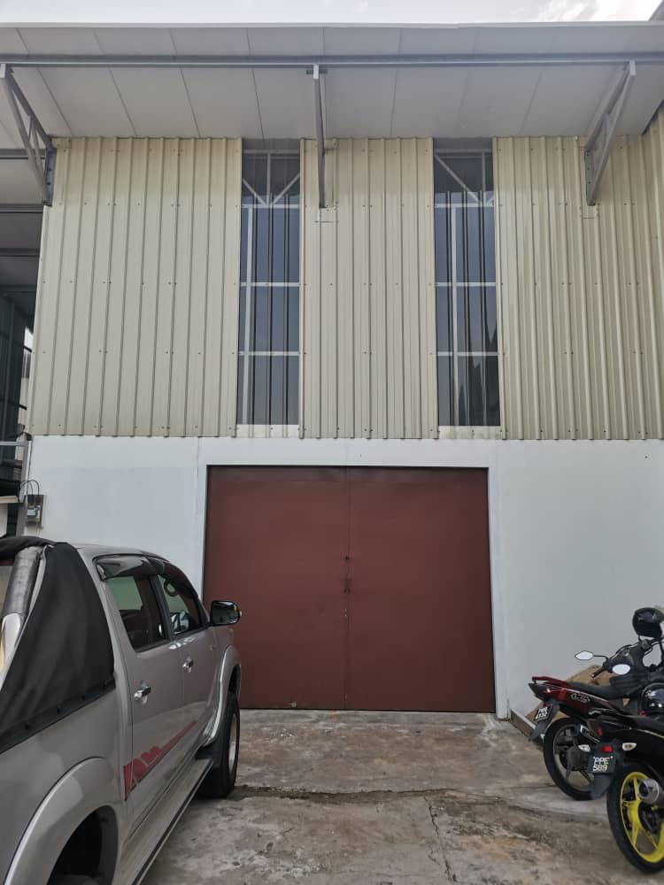 Warehouse @ Batu Maung for rent Cover Image